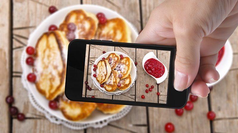 Tra la tua storia pubblicata su Instagram con il tag #foodporn e la tavola del cesso c'è solo il tuo intestino.